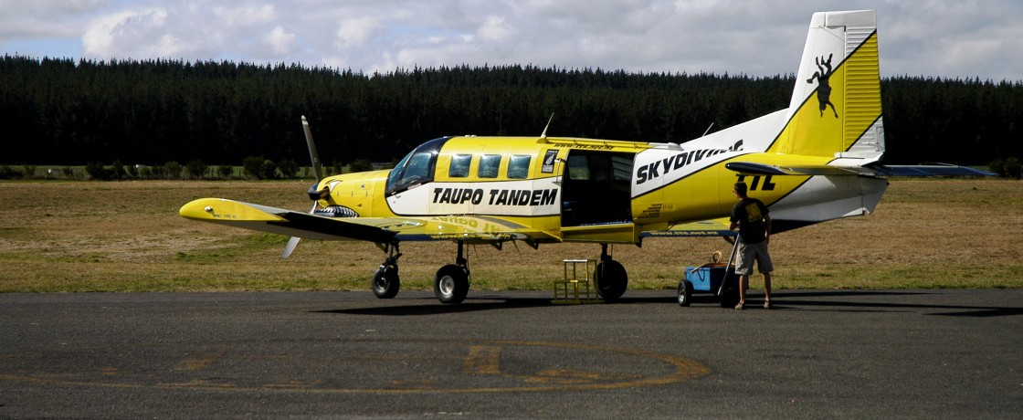 Skydiving at Taupo (2)